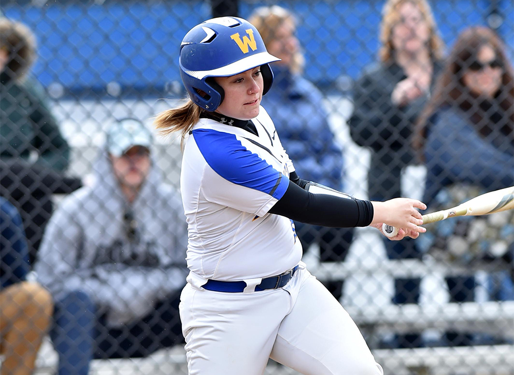 Softball Splits with Bridgewater in MASCAC Doubleheader