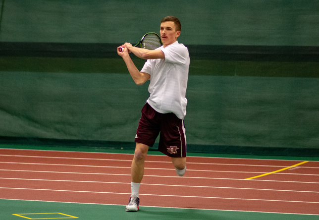Sam Beiter men's tennis action