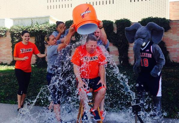 Women's Basketball Participates in #Chillin4Charity Challenge