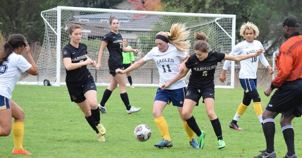 Women's Soccer Downs Mendocino College 3-1