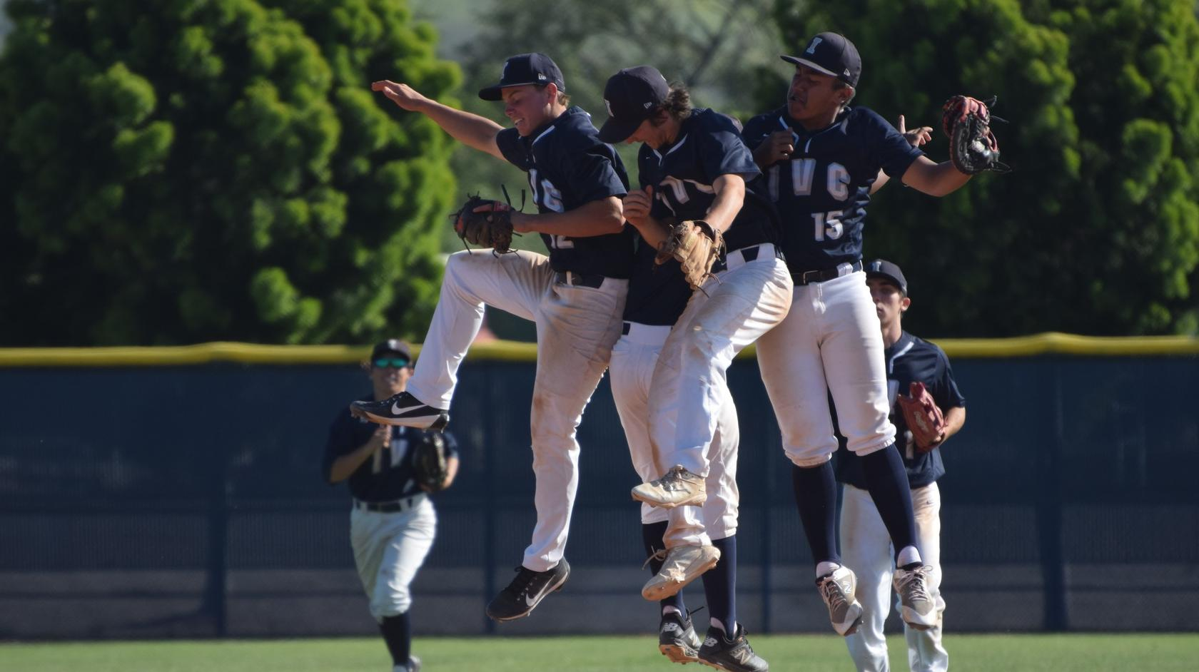 Baseball team gets back on track with home win over Fullerton