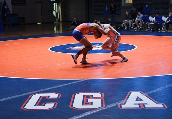 Wrestling Climbs into National Rankings at No. 25