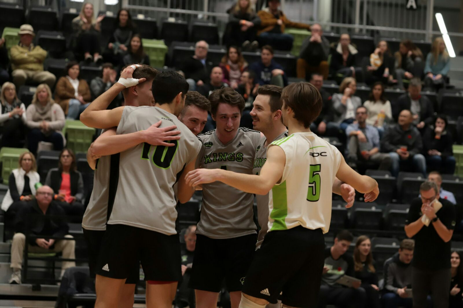 Graham and Kings drop Broncos in straight sets