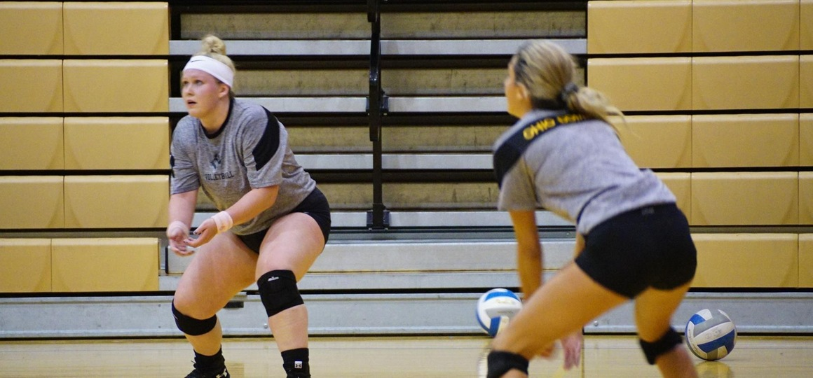 Volleyball Concludes First Day Of Camp