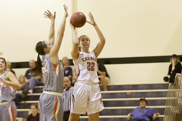 Lewis in Double Figures Again in SCIAC Opener at CMS