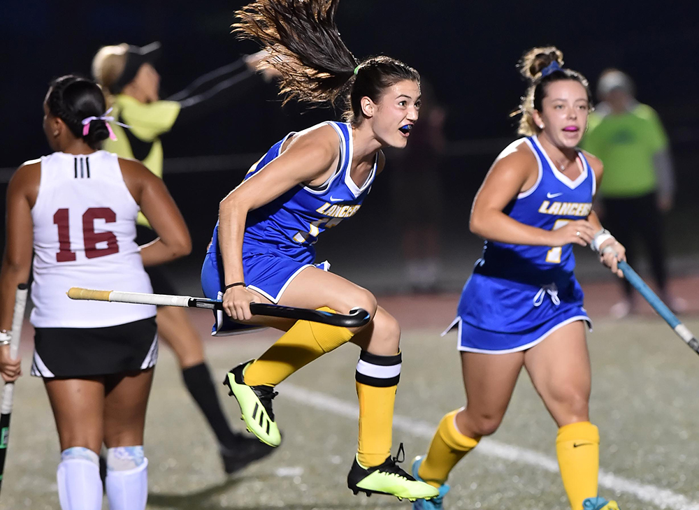 Field Hockey Defeats UMass Dartmouth 4-0