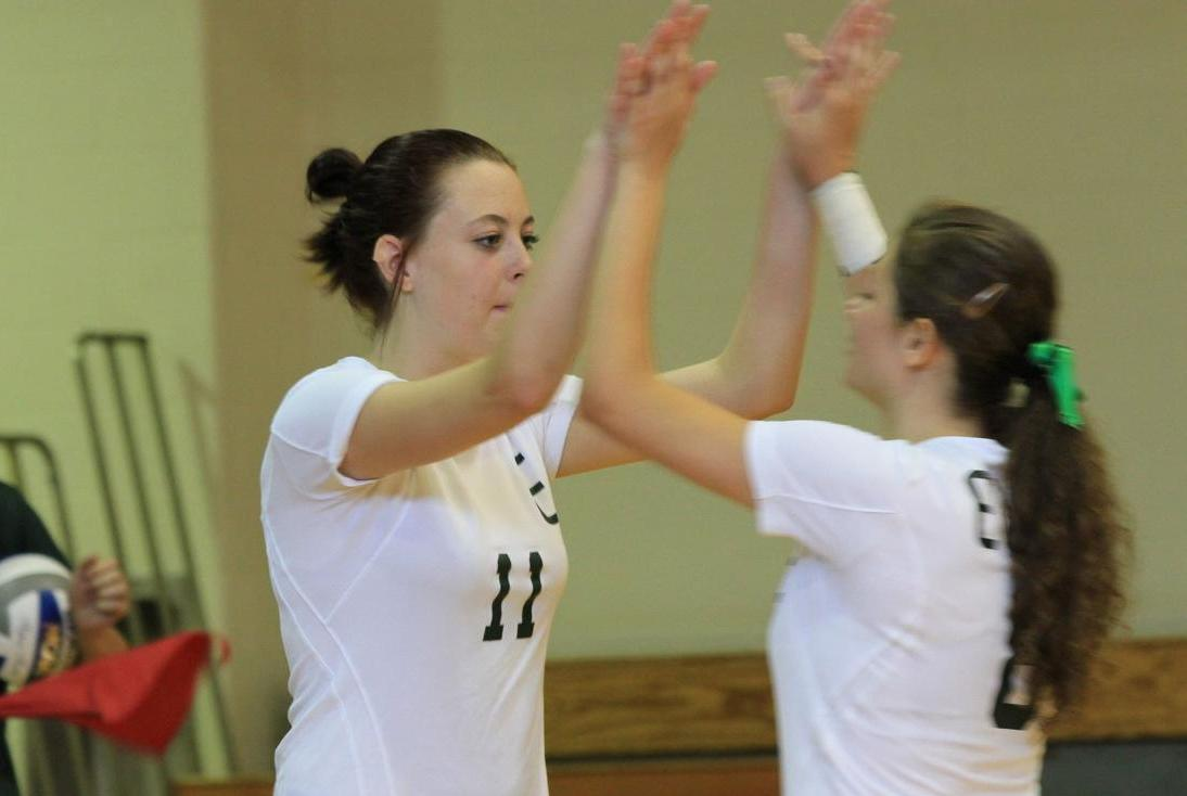 Volleyball Splits on Final Day of Blazer Invitational