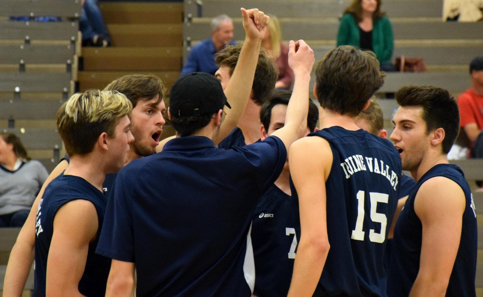 Men's volleyball team at the top of the state poll once again
