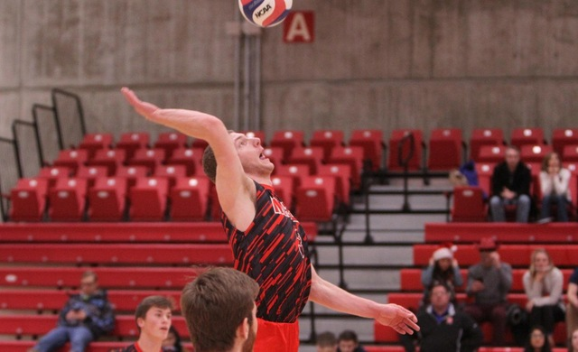 #14 Men's Volleyball Sweeps Olivet for 18th Win