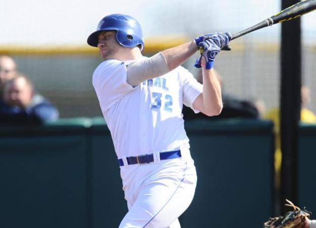 Baseball Drops Doubleheader on Saturday