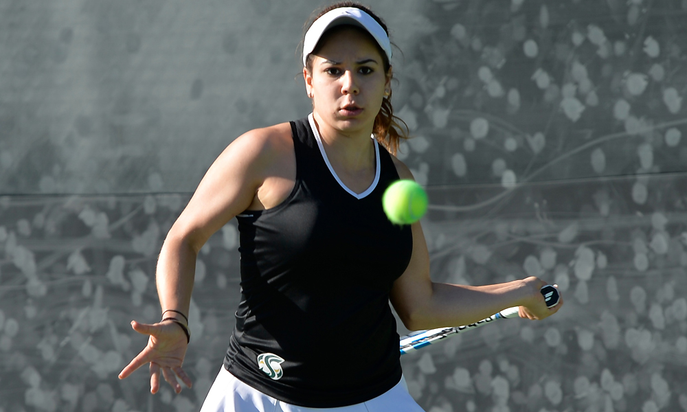 WOMEN'S TENNIS EDGED BY PORTLAND STATE 4-3
