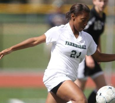 Farmingdale Holds Off Husson at Skidmore Invitational