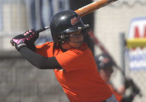 Oilers Softball Sweeps Northwood, Dauterman Breaks Records