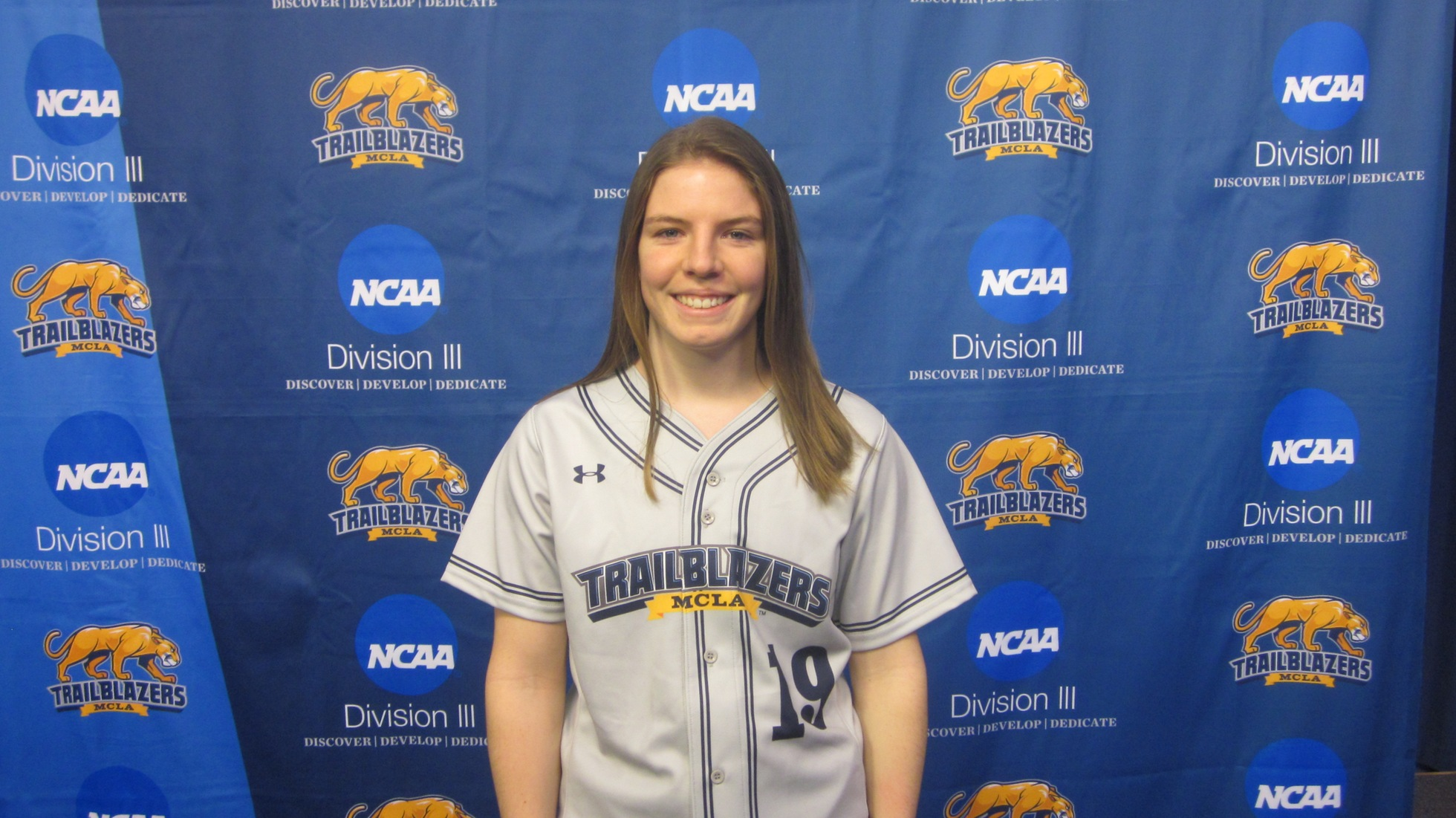 Softball drops a pair of games to Framingham in MASCAC opener