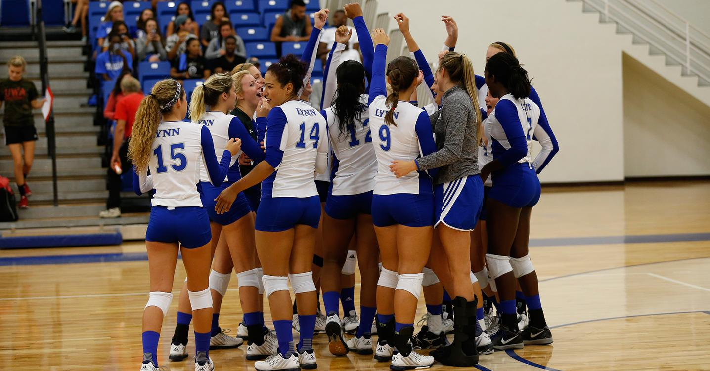 Volleyball Starts 2-0 at South Region Crossover