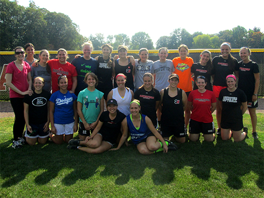 Softball hosts alumnae game