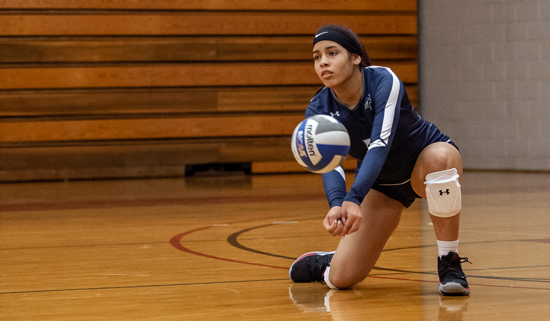 Women's Volleyball Captures Their First Win Of The Season In Straight Sets Over Five Towns College