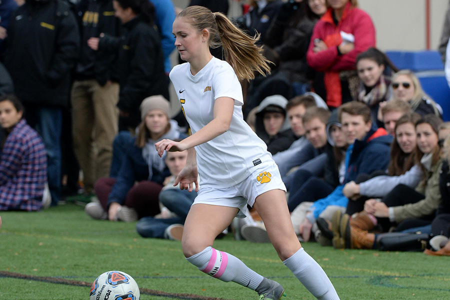 Women's Soccer Advances to Second Round of NCAA Tournament