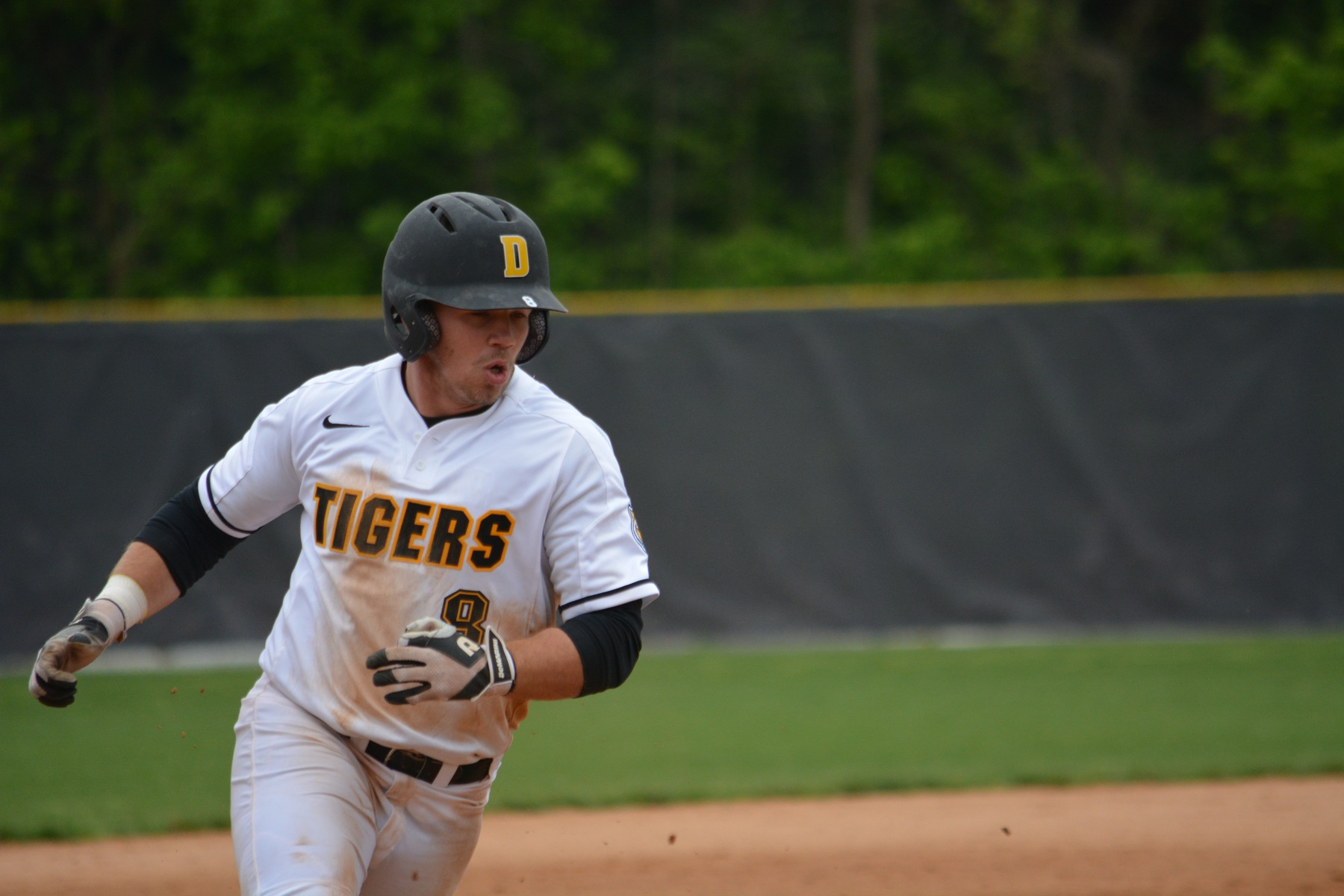 Tigers Run-Rule Little Giants to Open Shortened Series
