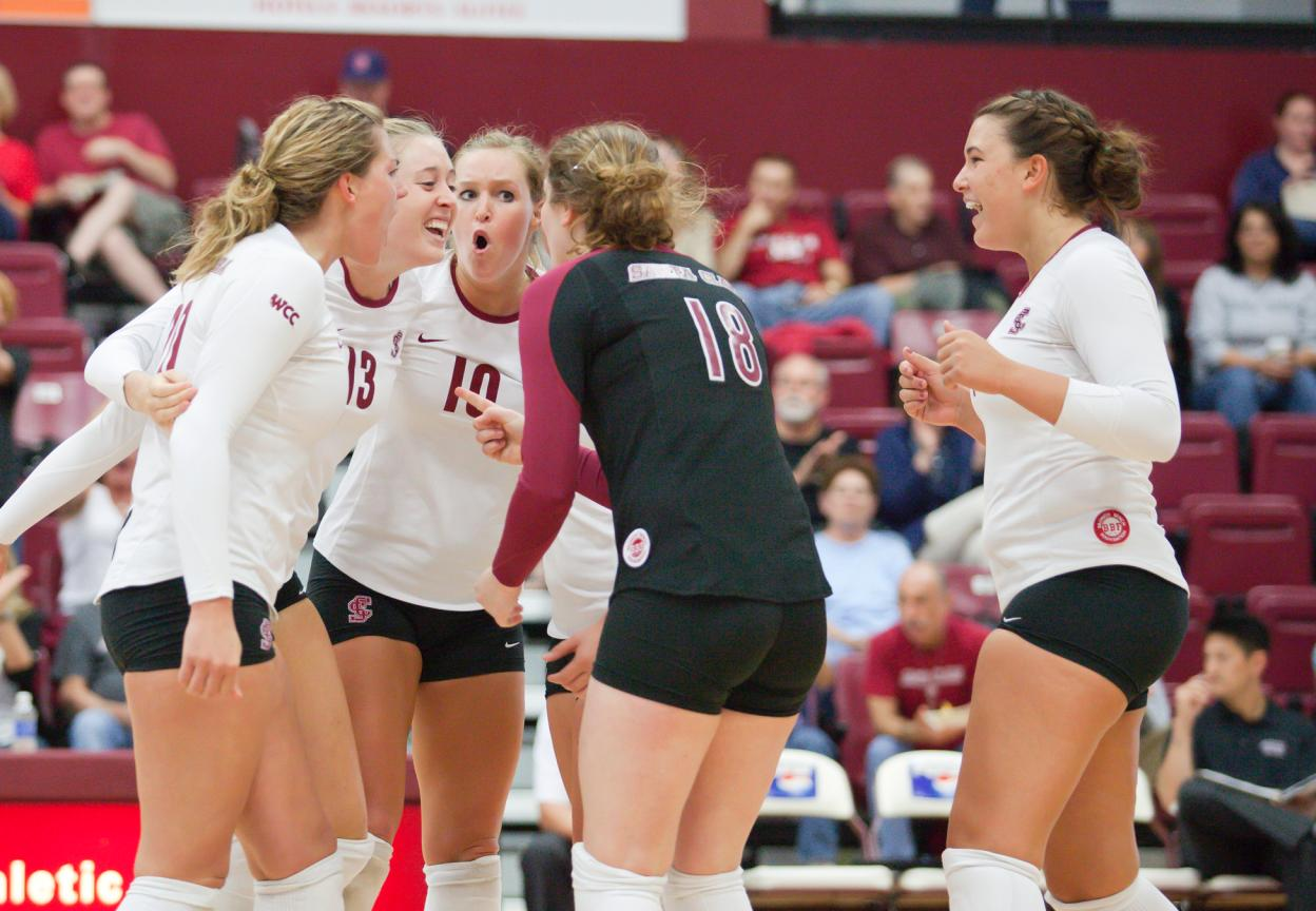 LMU Defeats Volleyball in 4