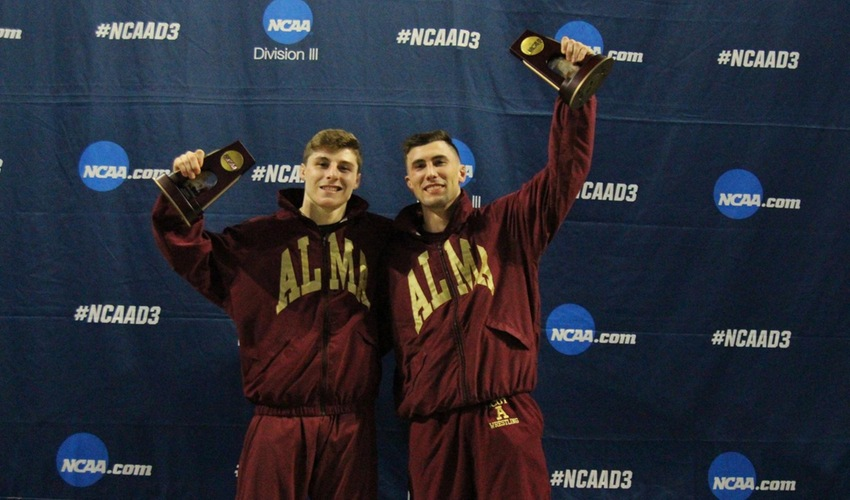 Ladd and Cooper Complete All-American Runs At Nationals
