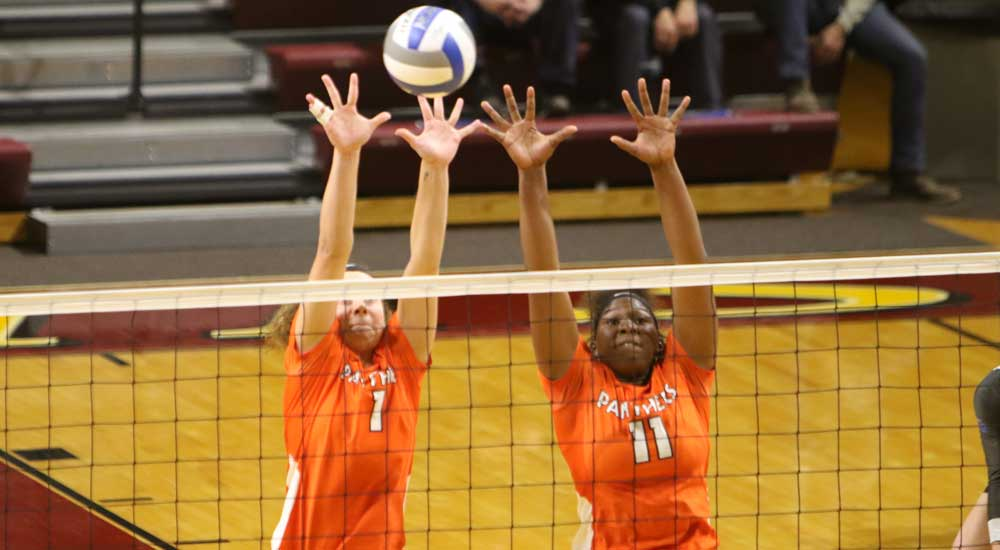 Women's volleyball sweeps past Fontbonne and Eureka