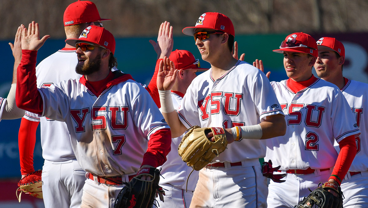 YSU Baseball (Photo by Rob Hayes)