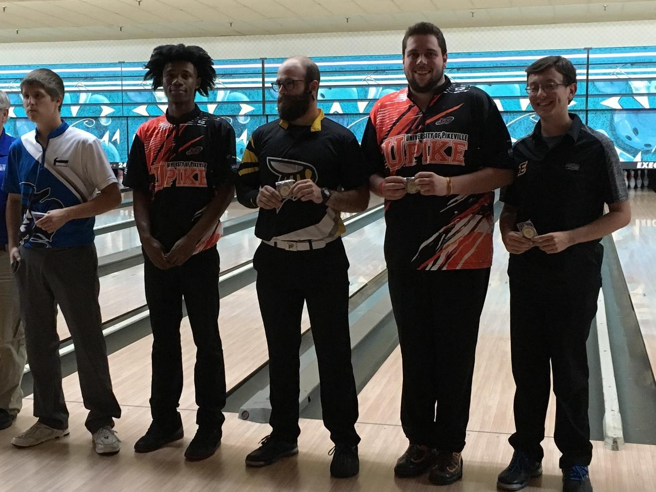 Men's Bowling has Great Start to Season