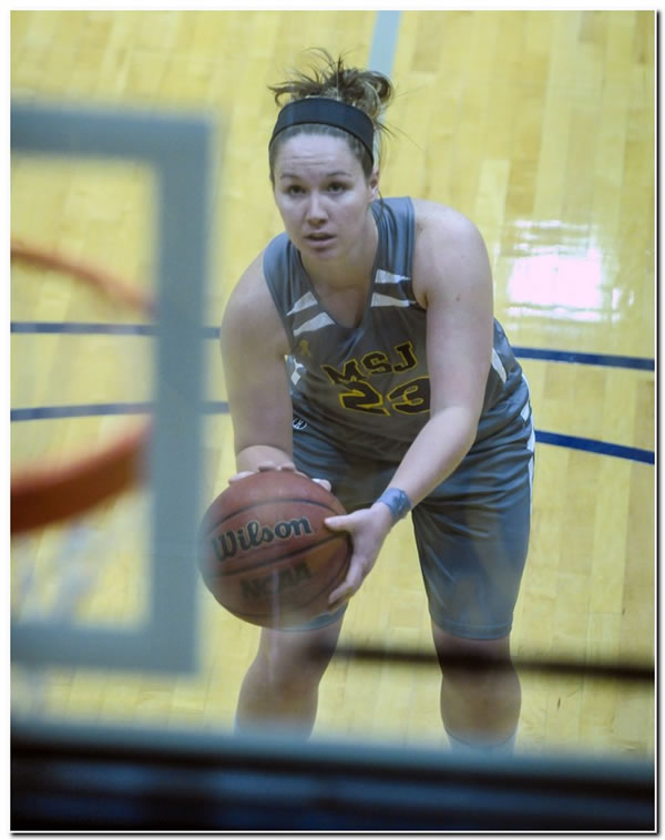 Mount women's basketball team clips visiting College of Wooster at end, 66-65