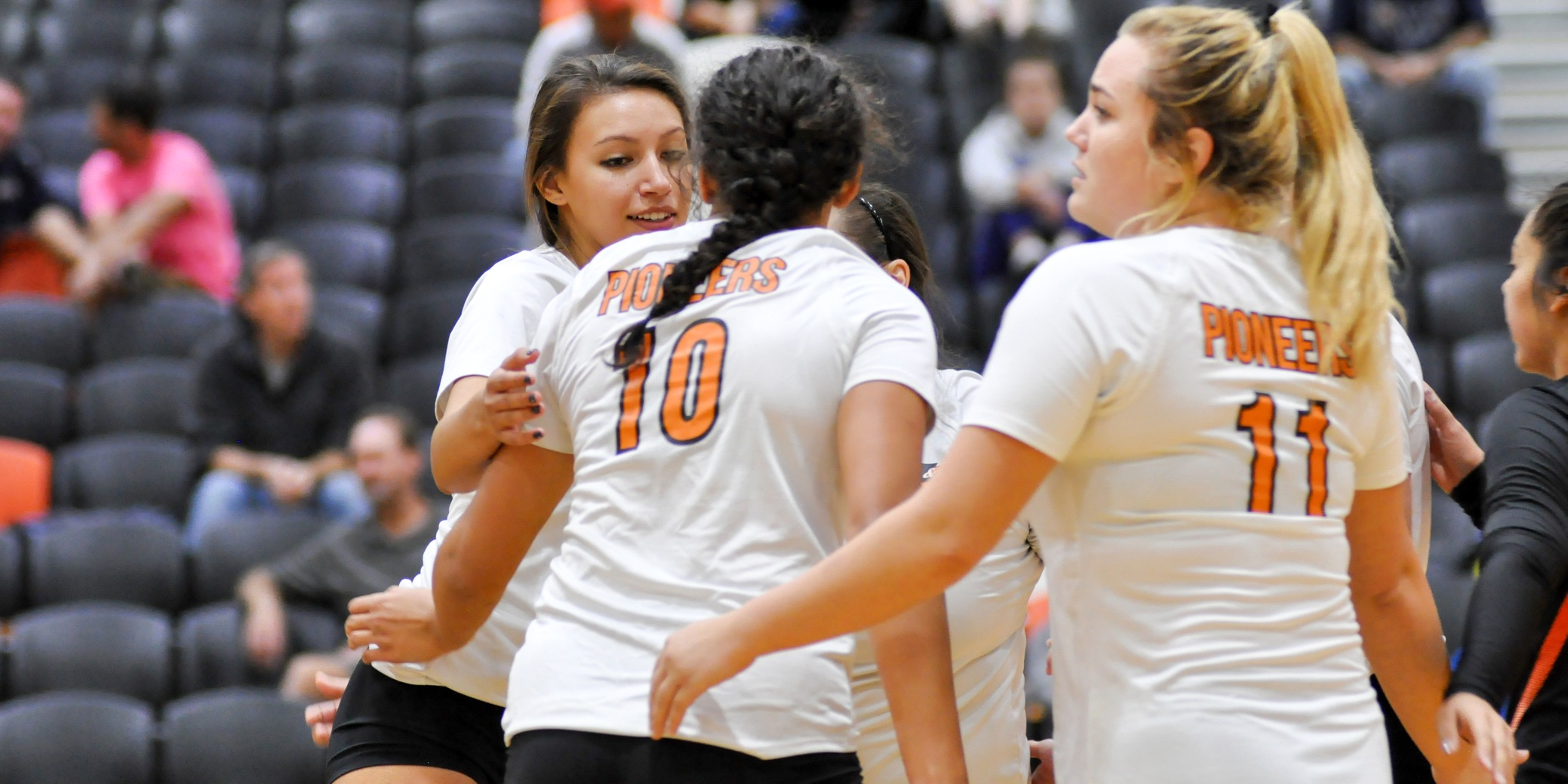 Pioneers lose in straight sets to PLU