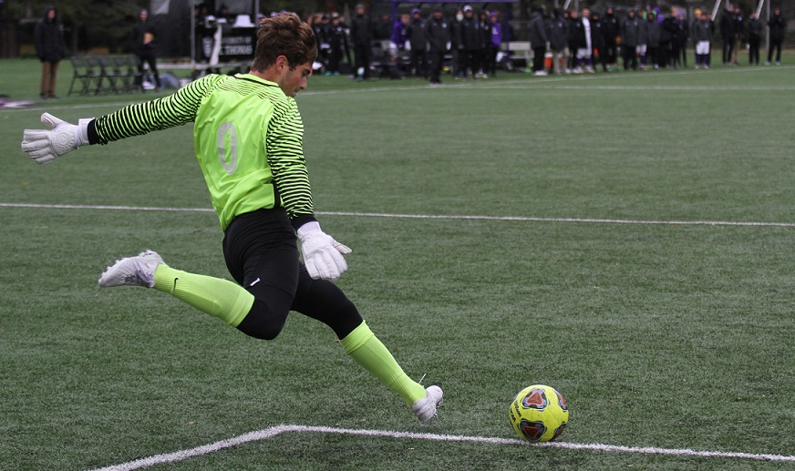Men's Soccer alone atop standings after 1-0 home win