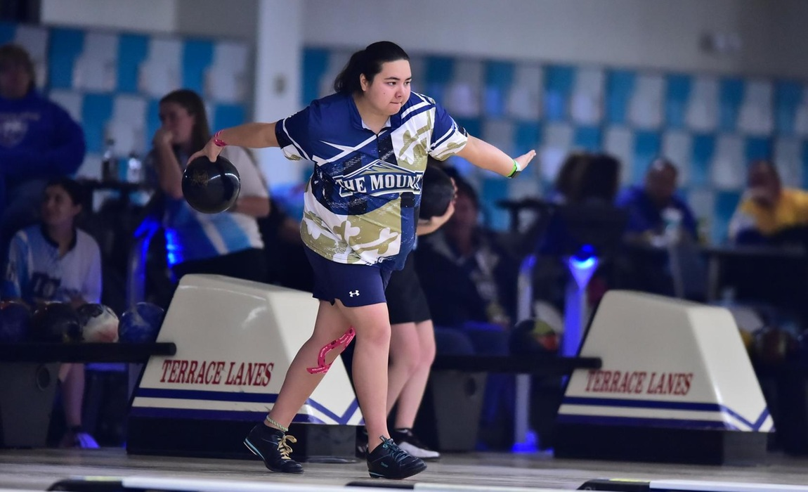 Bowling in Middle of Tournament Standings at Stacked Vegas Invite