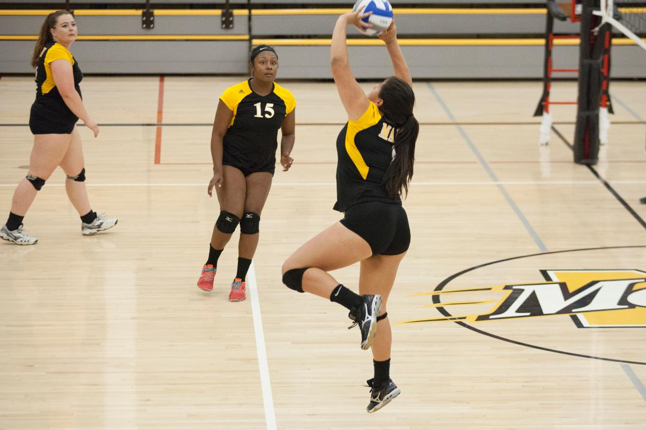 COM Volleyball Falls To Solano In Bay Valley Opener