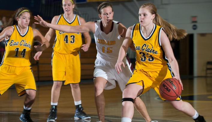 Women's Basketball Falls to Falcons in Double Overtime