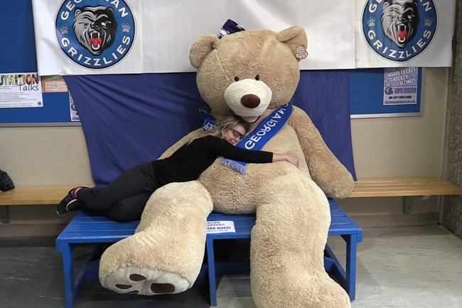FEELING STRESSED? COME TAKE YOUR PHOTO WITH THE BEAR