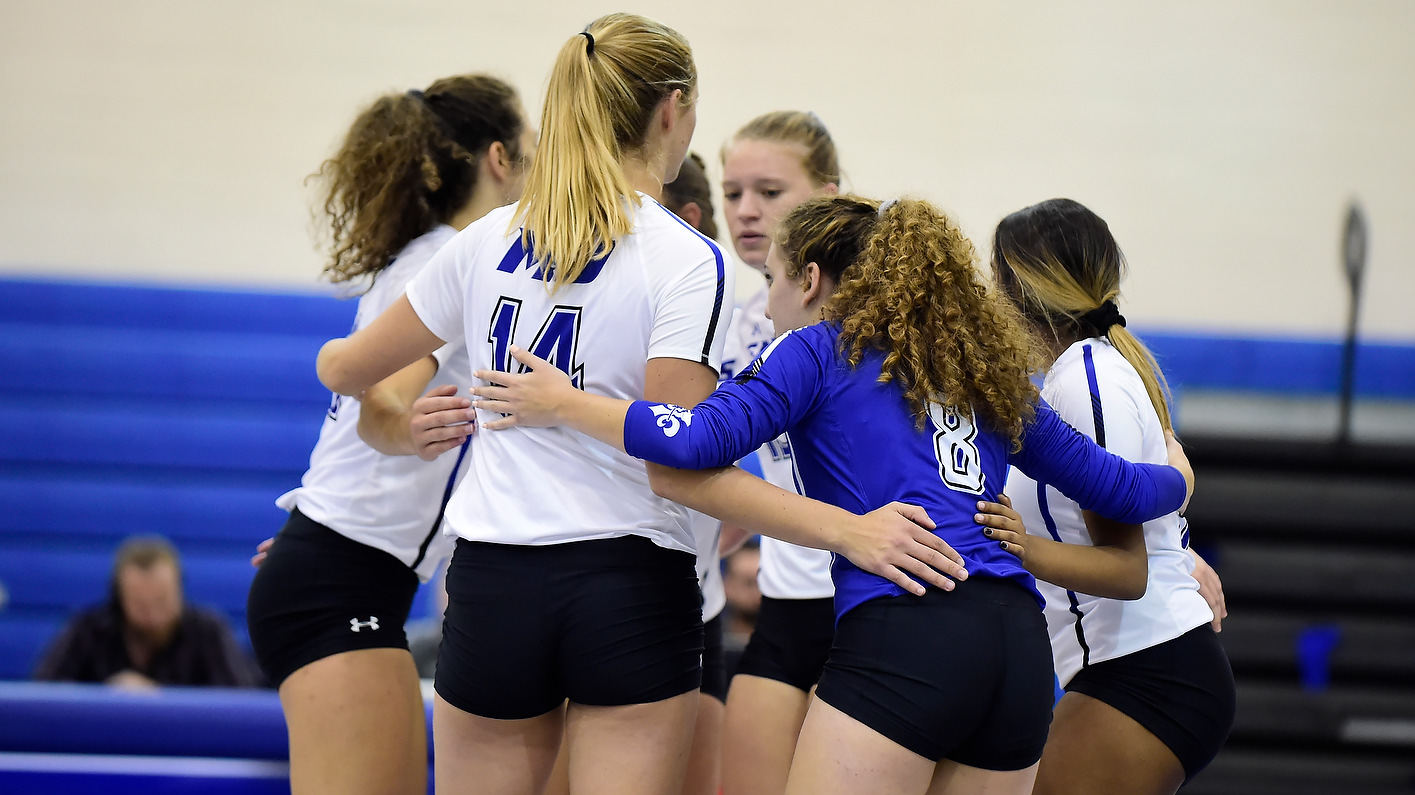 Women's Volleyball Registers 14th Straight-Sets Victory of Season In Win Over Mustangs