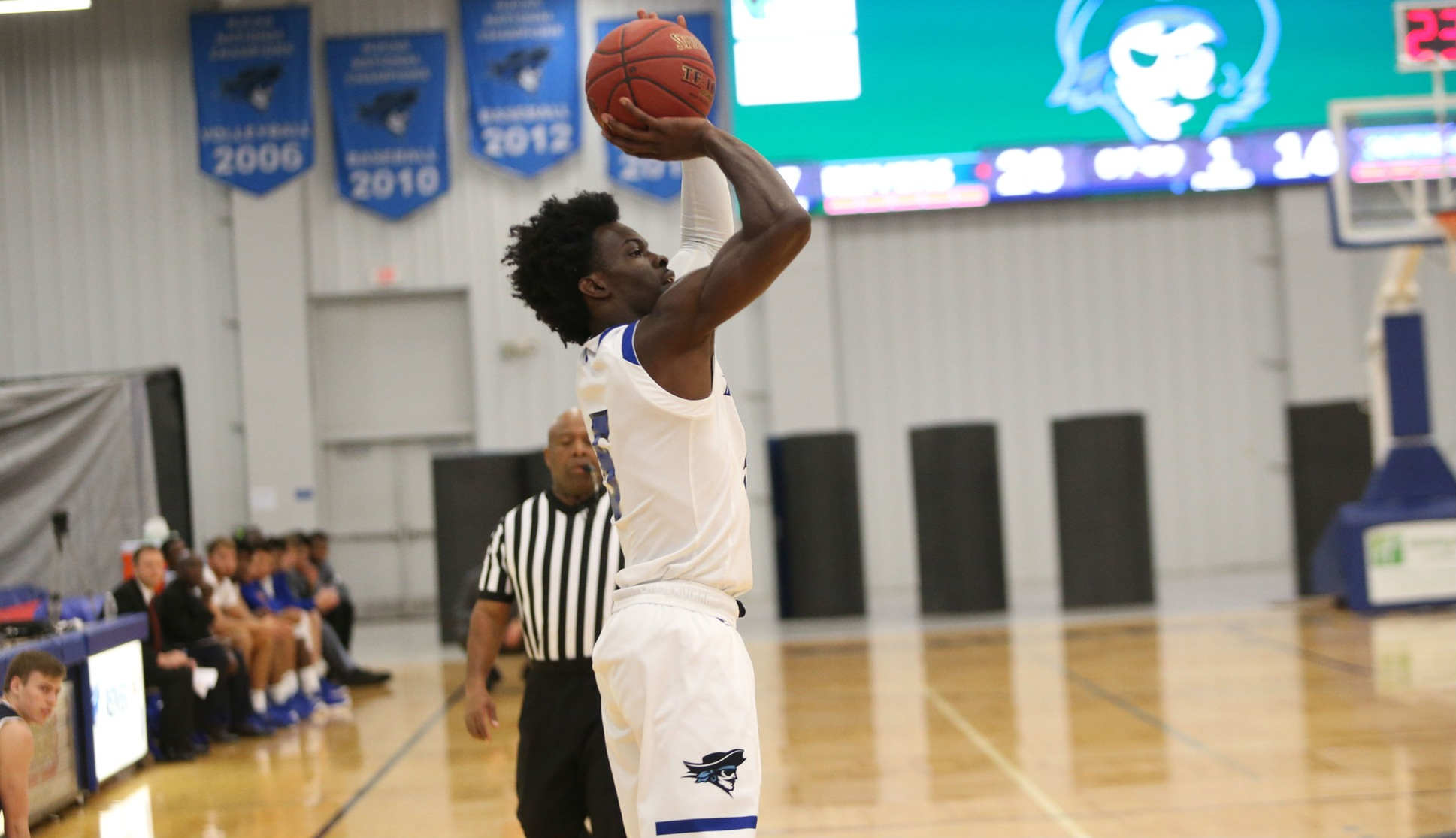 "Iowa Western's Travon Broadway scored a game high 22 points on 9/12 shooting, as the Reivers claimed their third classic title this season with a 76-68 ""wire-to-wire"" victory over Northeastern (CO)."