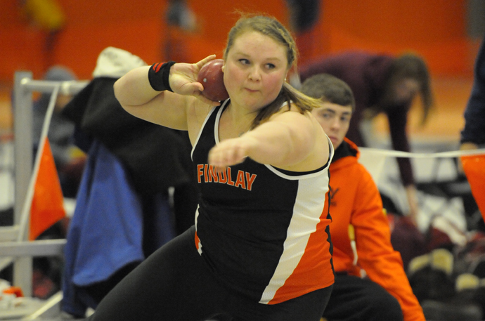 Oilers Compete on Day 1 of Penn Relays