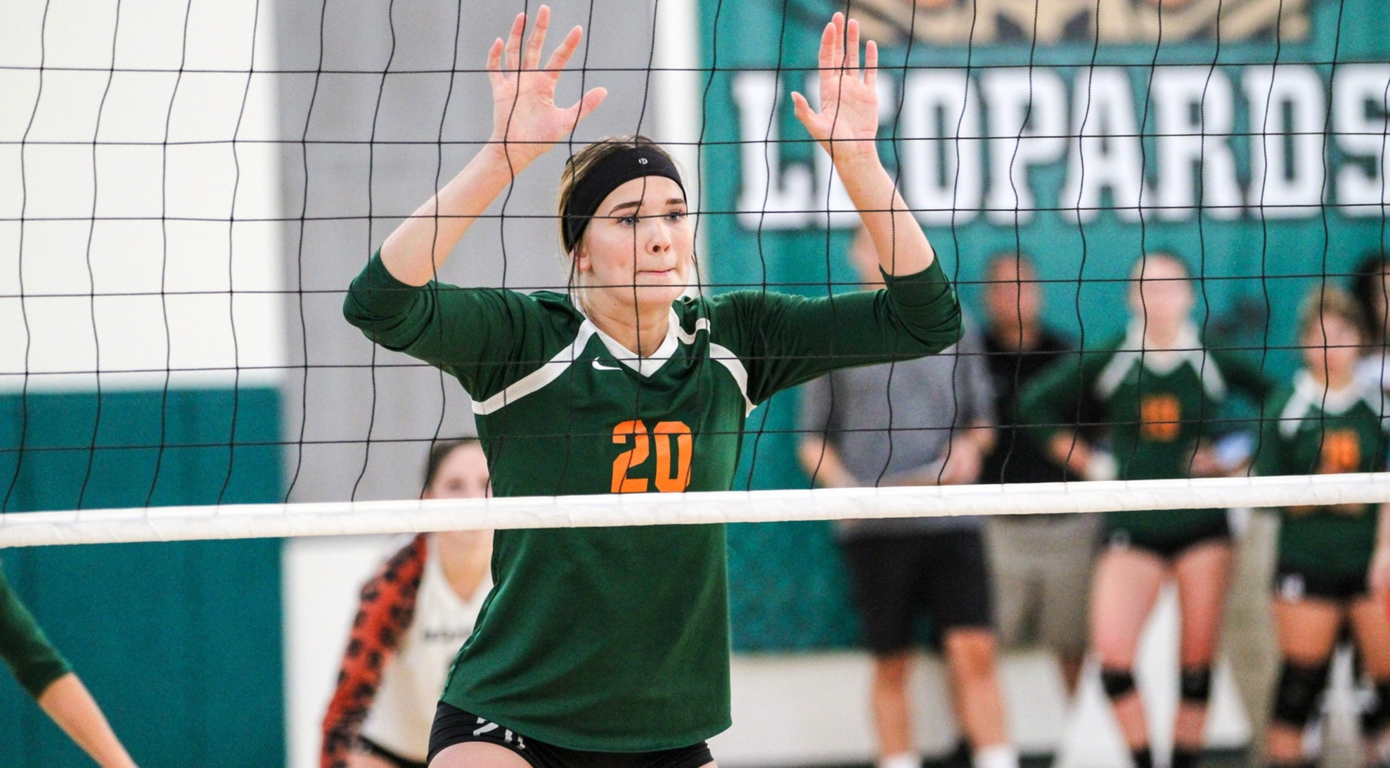 Volleyball battles but falls to No. 2 CMS