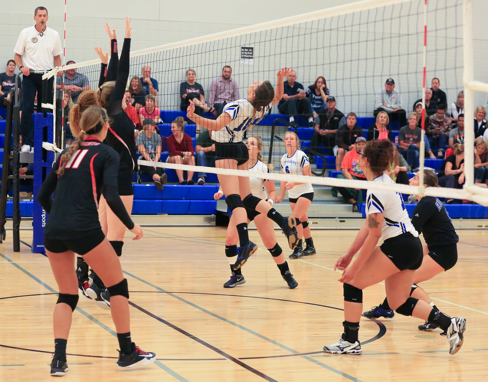 Blue Knights Volleyball Wins 2 Matches Over Weekend