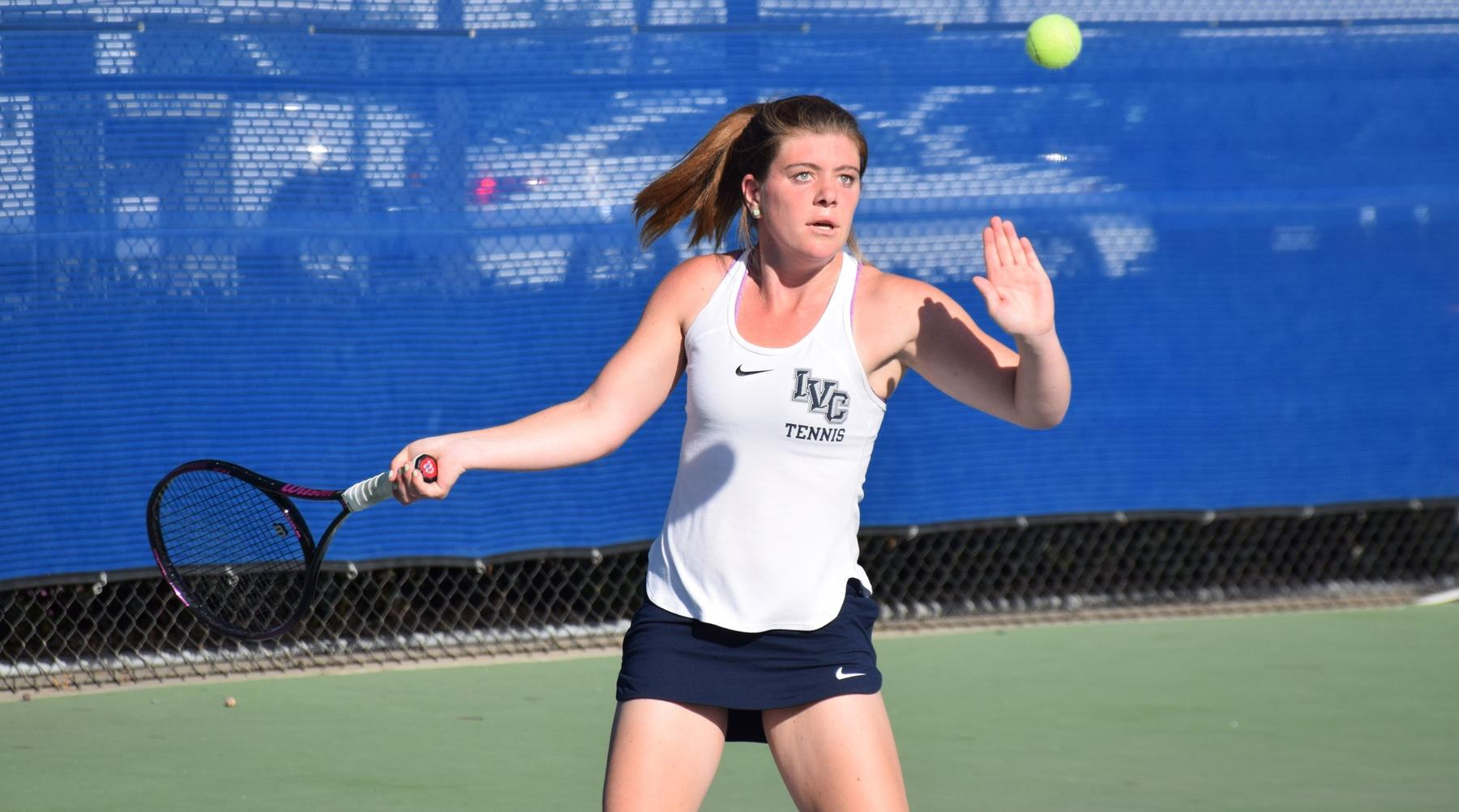 Women's tennis team earns important OEC win at Saddleback