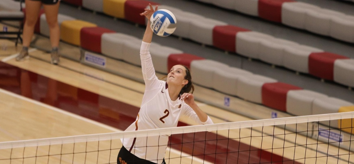 No. 2 CMS Volleyball Keeps Rolling, Defeats Pomona-Pitzer in Three Sets