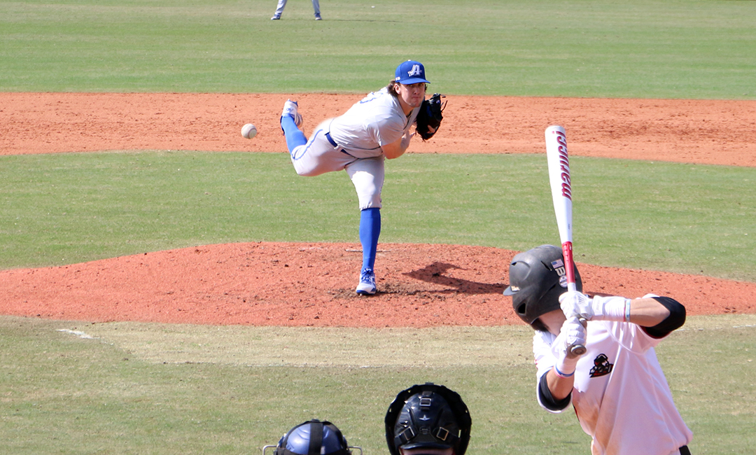 Quinlivan Powers Baseball to Opening Day Split with Mansfield