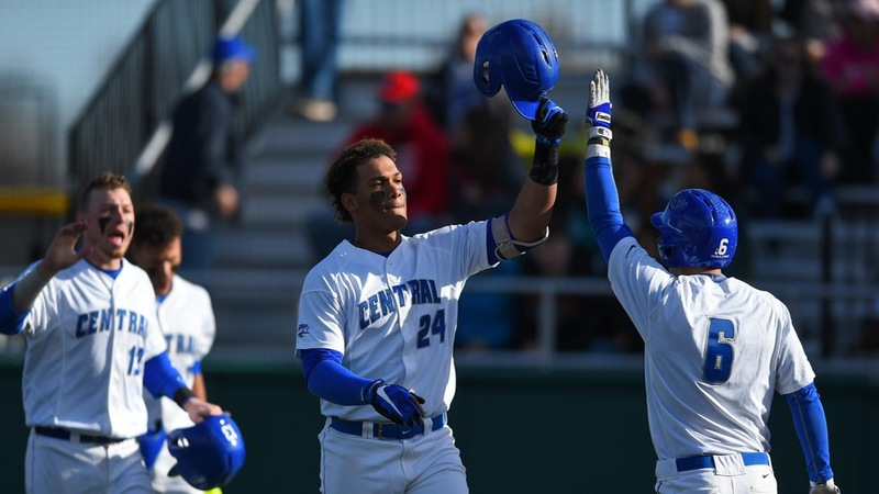 Baseball Downs Mount St. Mary's in Series Opener, 7-2