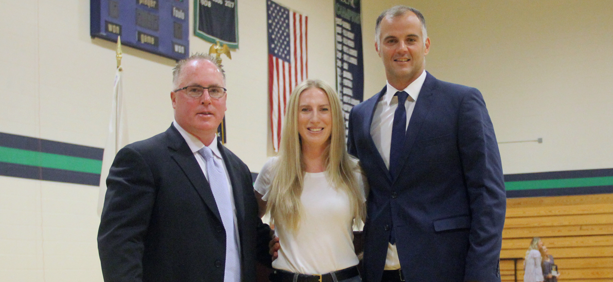 Endicott Inducts Hall and Marinkovic, Raises Five Banners, and Recognizes Individual Achievements