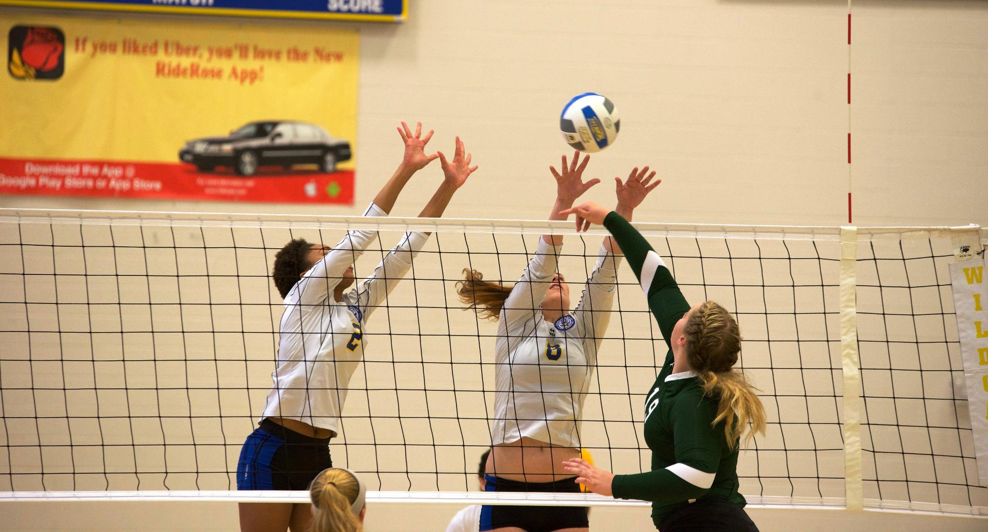 Greensboro Outlasts JWU Volleyball in Four