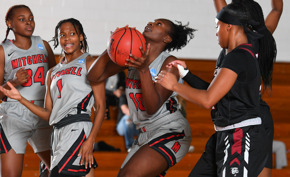 WBB Sails Past Bay Path