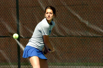 Tennis teams earn split at Bates