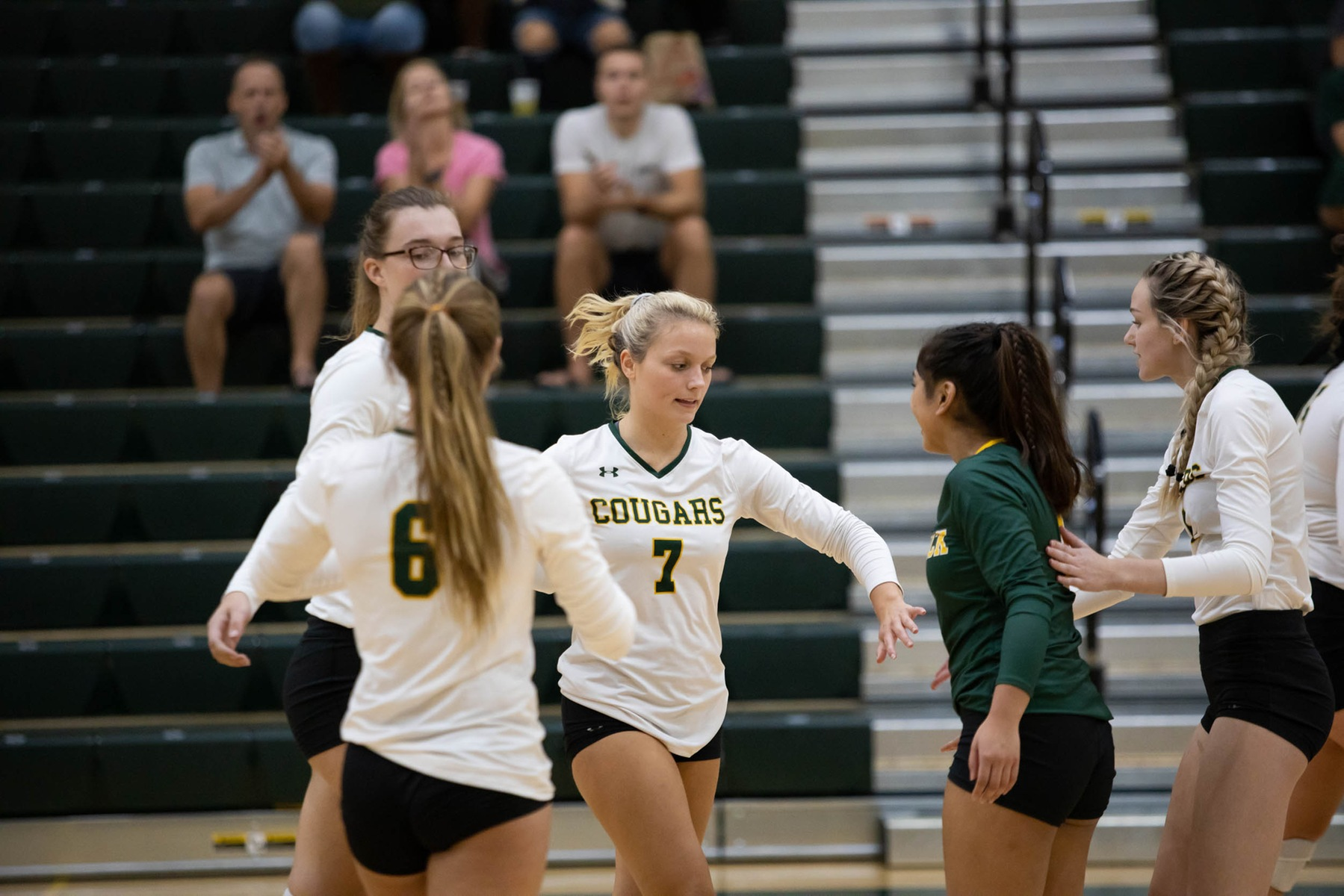 FCC volleyball makes quick work of ACM
