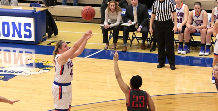 Benedictine defeats Women's Basketball with late free throws